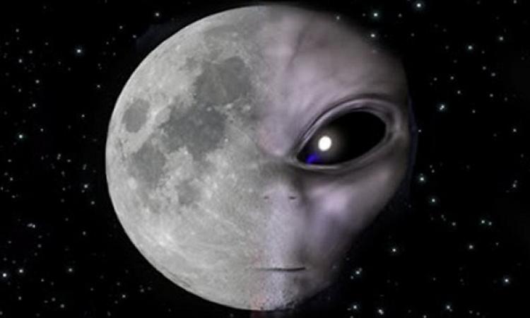 بالصدفة .. رواد فضاء أمريكيون يصورون طبقا طائرًا على سطح القمر !!