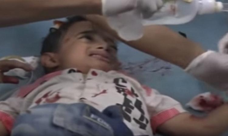 """بالفيديو .. صرخة طفل تحرق قلب العالم """" ما تقبروناش """""""