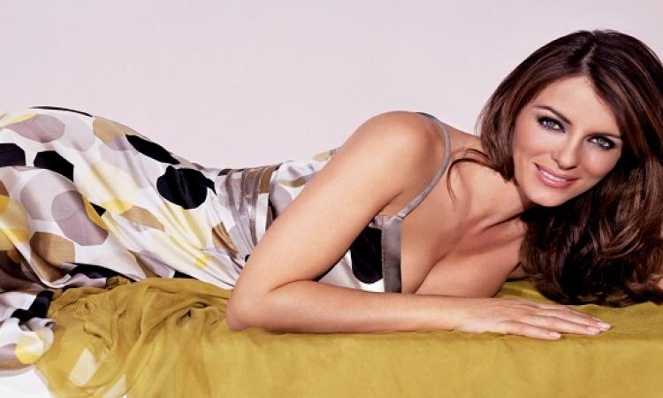 بالصور .. اليزابيث هيرلى سفيرة لمكافحة سرطان الثدى .. بالوردى !!