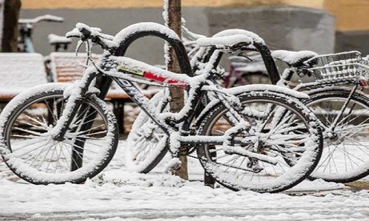 بداية قوية لموسم الشتاء بتساقط الثلوج فى ألمانيا الشرقية