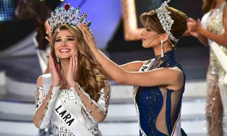 بالصور .. الفاتنة مريم حبش تتوج ملكة جمال فنزويلا .. ادى الملكات بصحيح !!