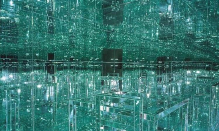 بالصور .. غرفة من الزجاج .. ومصممون : هتّتنضف إزاى ؟!