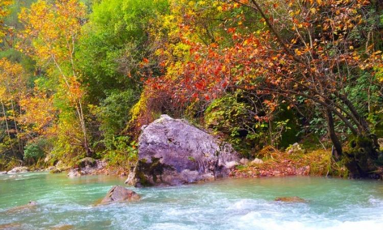 نهر إبراهيم فى لبنان .. سحر الطبيعة ولذة العشق