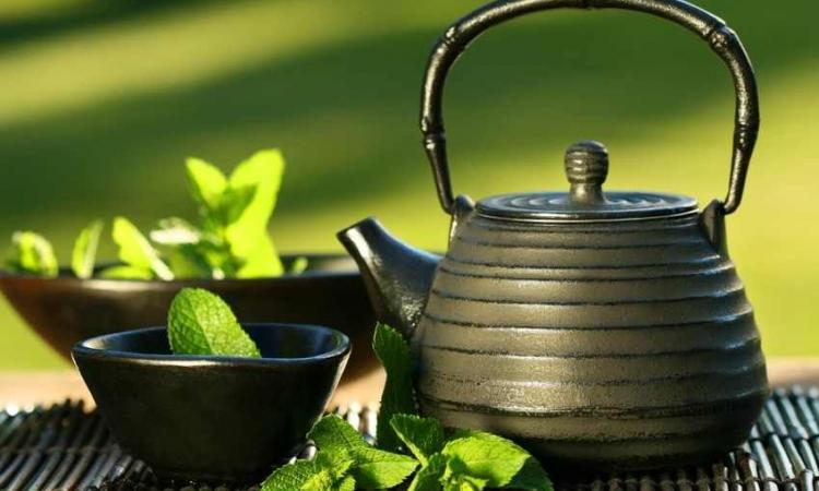 كيف تستخدمين الشاى الأخضر لصحة شعرك ؟