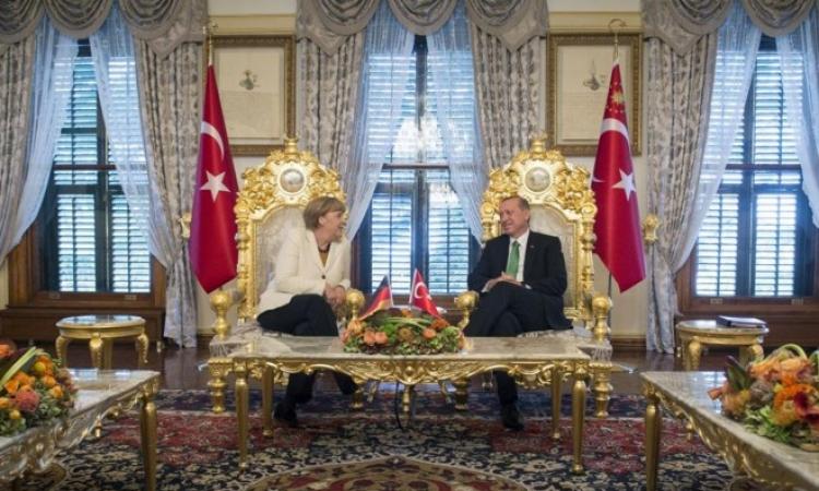 الإندبندنت تصف مباحثاث ميركل مع أردوغان بشأن اللاجئين بالاتفاق القذر !!