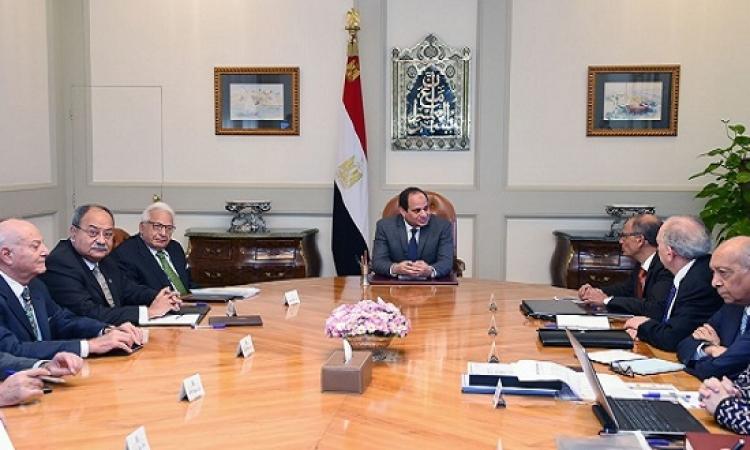 بالصور .. السيسى يجتمع بأعضاء مجلس علماء وخبراء مصر
