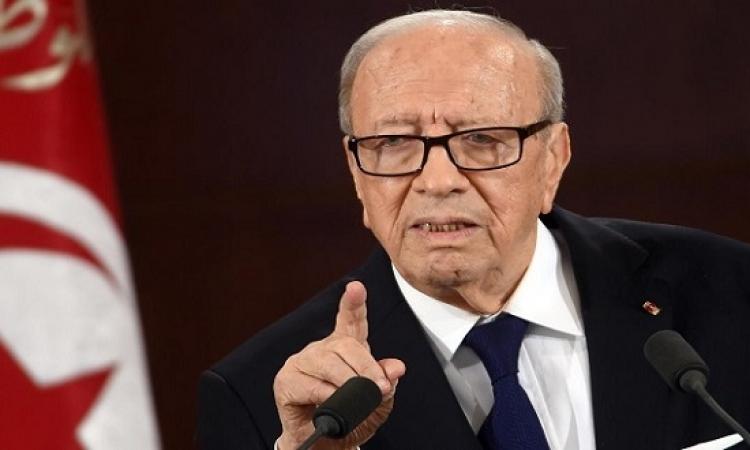 إعلان حالة الطوارىء فى تونس لمدة شهر وفرض حظر التجوال