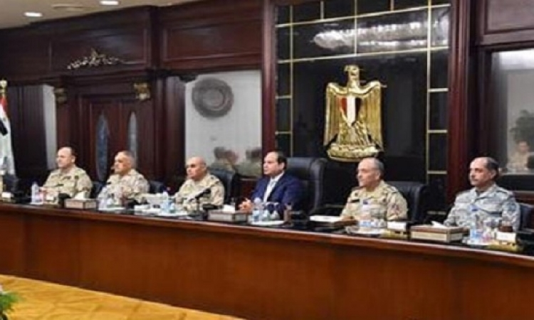 السيسى للقوات المسلحة : لابد من الاستعداد والجاهزية للقتال