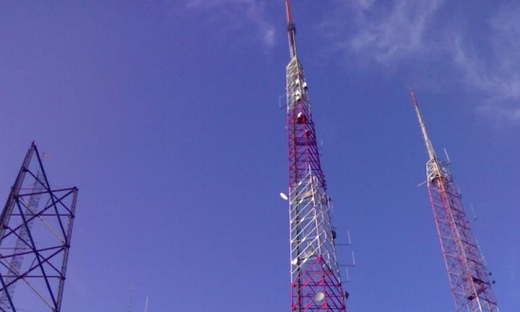 فيديو صادم .. مصرى ينتحر من أعلى برج بث إذاعى فى الجزائر