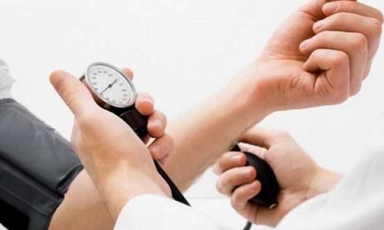 خفض ضغط الدم يقلل من الإصابة بالأزمات القلبية