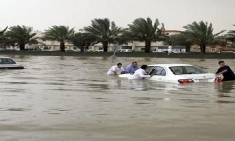 سيول وفيضانات بالرياض تودى بحياة 9 أشخاص