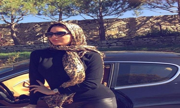 بالصور .. لاميتا فرنجية تواصل إثارة الجدل من المايوه للحجاب