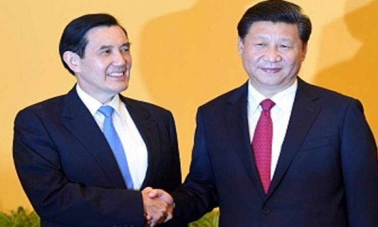 مصافحة تاريخية بين رئيسى الصين وتايوان