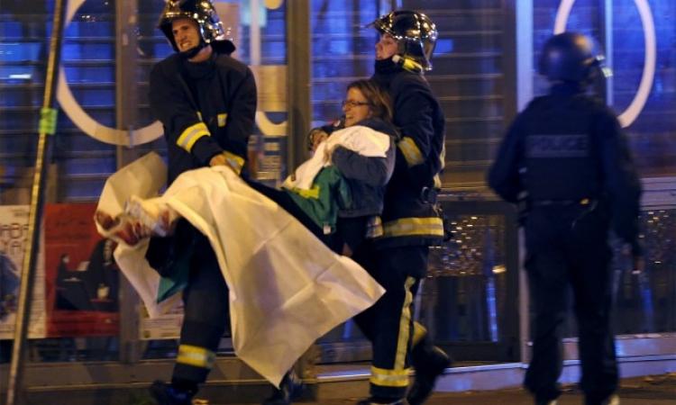 بالفيديو .. قصة سيدة حامل قفزت من نافذة ونجت من هجمات باريس