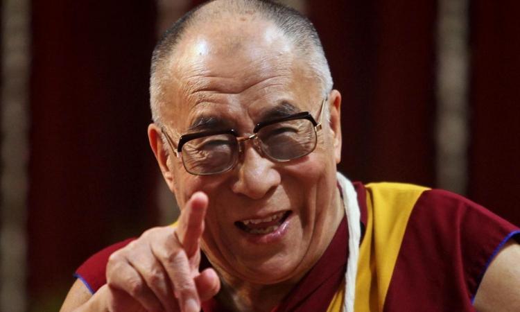 حكاية الدلاى لاما .. زعيم البوذيين الذى لا يموت