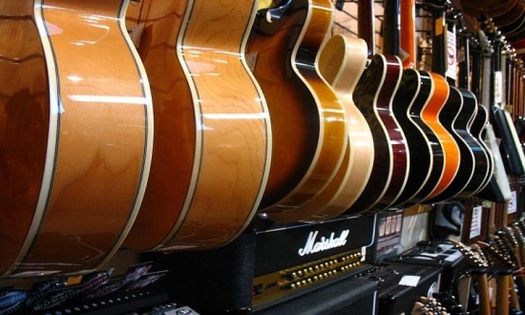جيتار بلا أوتار .. لتتعلم العزف خلال دقائق!!