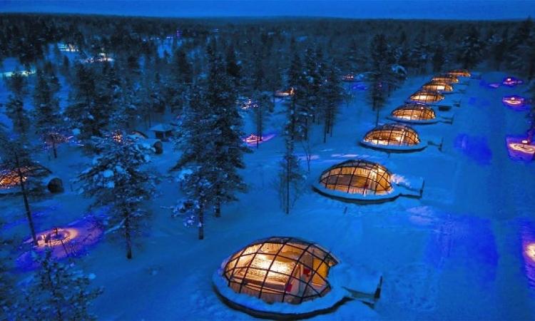 منتجع كاكسلوتانين .. الحياة داخل اكواخ زجاجية فى قلب القطب الشمالى !!