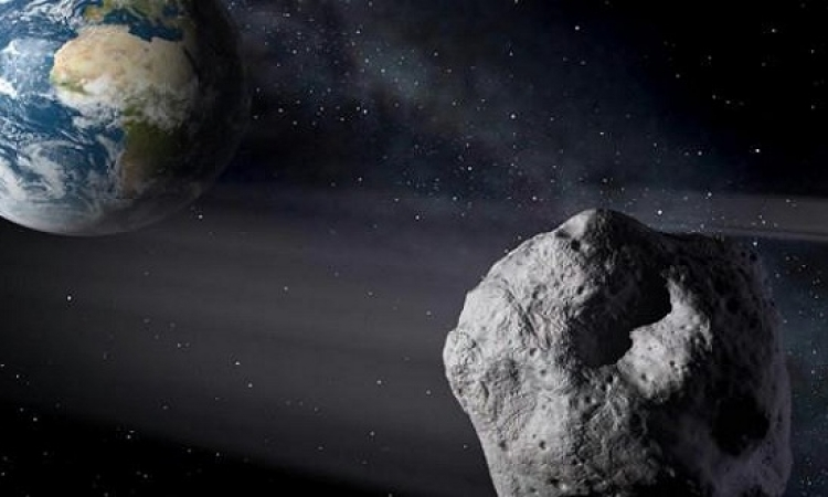 اليوم.. كويكب يمر بالقرب من الأرض أقرب من القمر