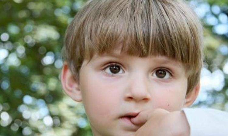 تقصف الأظافر قد يرجع إلى الإصابة بأحد أمراض الغدة الدرقية