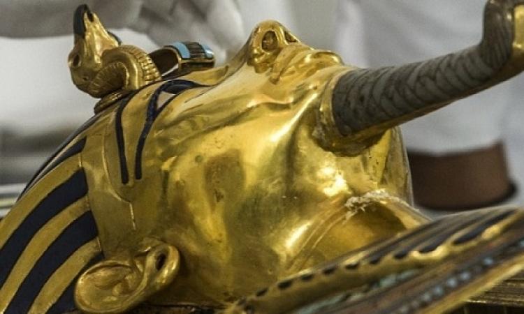 قناع توت عنخ آمون يعود للمتحف المصرى الاربعاء المقبل