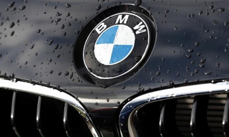 """أول سيارة """"BMW"""" يمكن التحكم فيها دون الحاجة إلى لمسها"""