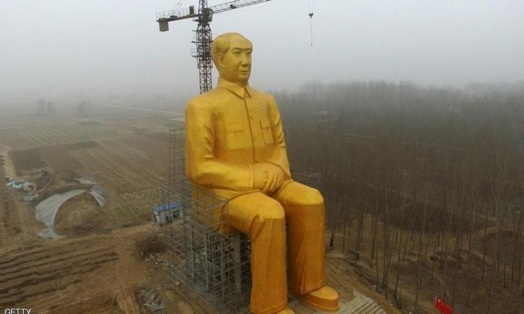 تدمير تمثال ذهبى فى الصين بعد أيام من نصبه