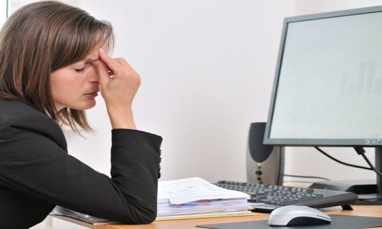 الأجهزة الإلكترونية .. خطر كبير على العين والجسم