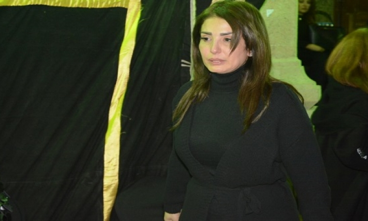 بالصور .. نجوم الفن والمجتمع فى عزاء ممدوح عبد العليم