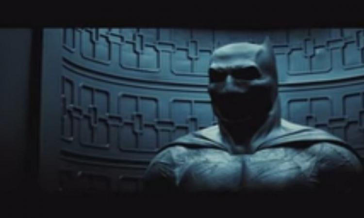 بالفيديو .. باتمان وسوبرمان وجهاً لوجه والمواجهة بين البطلين