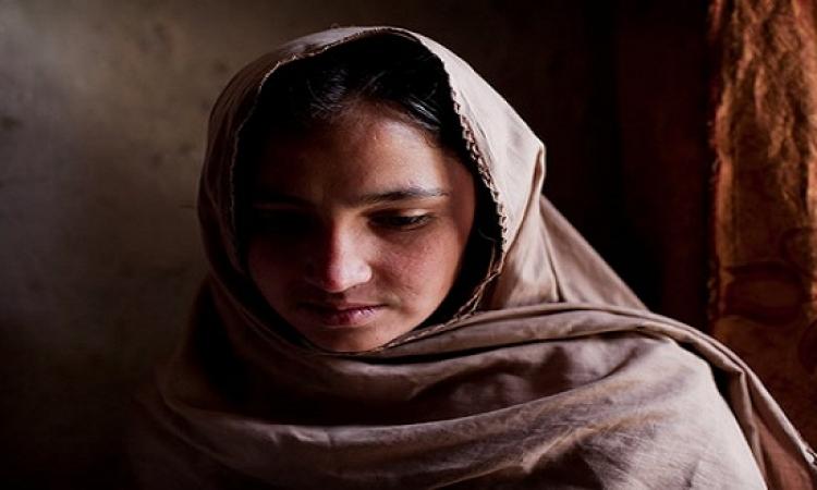 قصة وعبرة مؤثرة .. الفقيرة القنوعة وطفلها فى ليلة باردة