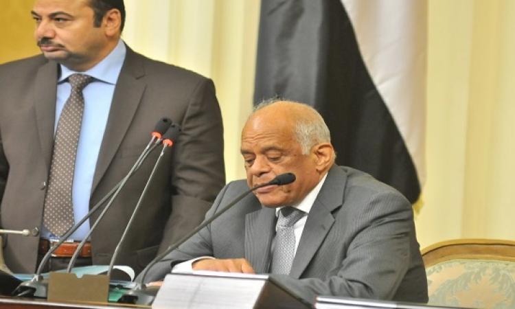 عبد العال ينهى أزمة محمد أبو حامد وخالد يوسف