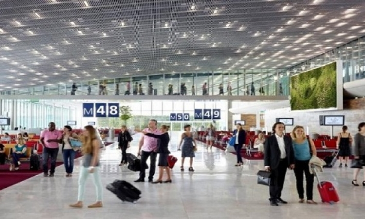 ضبط قنابل وهمية فى مطار شارل ديجول بباريس
