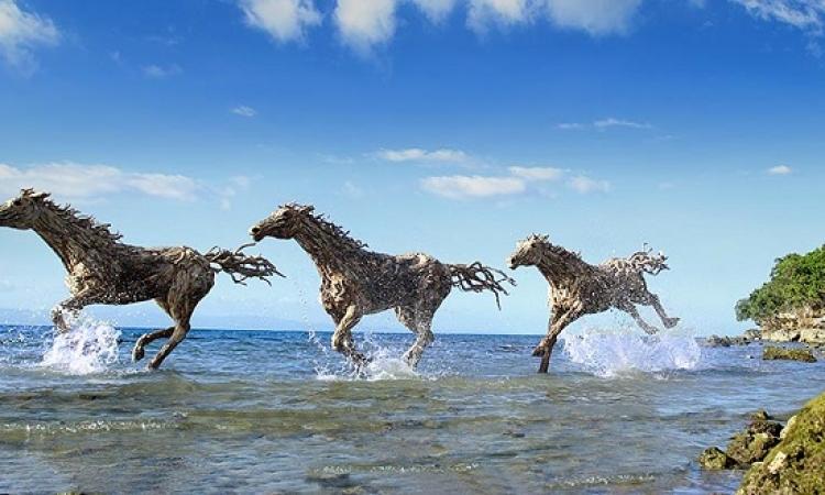 بالصور .. فنان بريطانى يحول الأشجار لحيوانات حية !!