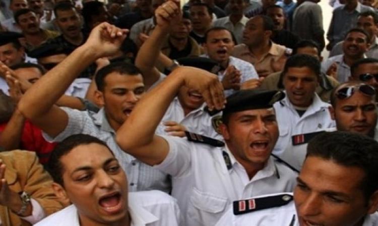 أمناء شرطة يعتصمون بالشرقية .. والداخلية : سنطبق عليهم قانون التظاهر