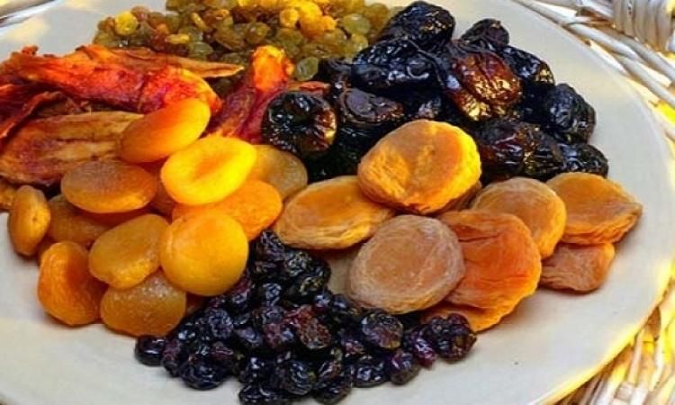 دراسة .. الفاكهة المجففة تنظم عملية تحلون الدم