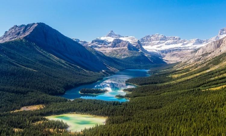سلسلة جبال روكى .. عندما يمتزج جمال الطبيعة بسحر المغامرة