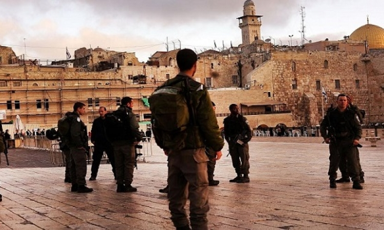 قوات الاحتلال تقتل فلسطينية هددت جندياً إسرائيلياً بسكين