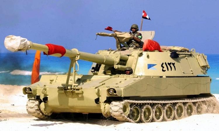 بالصور .. انقلاب دبابة على الدائرى وشلل مرورى بالمنطقة