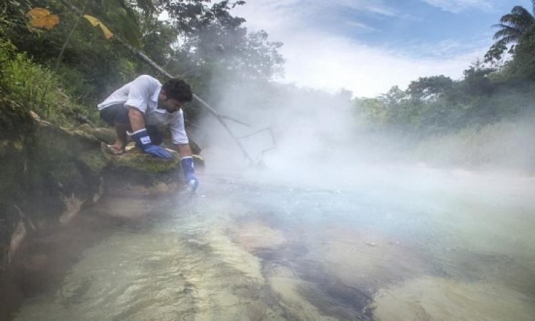 بالصور .. رحلة مثيرة إلى نهر الغليان بالأمازون !!