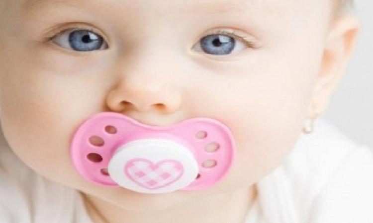 تحذير.. رضاعات الأطفال والقفازات المطاطية قد تحوى مواد مسرطنة