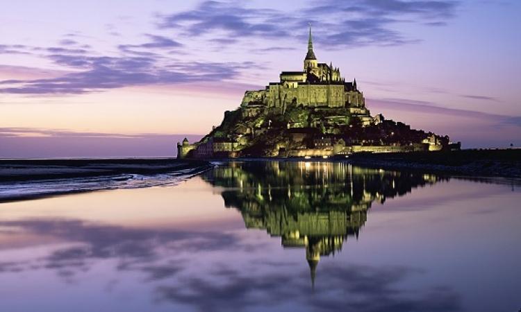 قلعة مونت سانت ميشيل .. متعة السياحة مع أسرار التاريخ