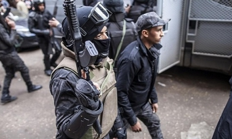 مقتل إرهابيين والعثور على قنابل فى مداهمة لشقة بحدائق المعادى