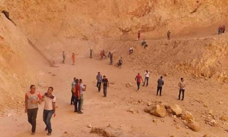 القوات المسلحة تنقذ 21 طالبًا وأستاذًا جامعيًا ضلوا طريقهم لكهف سنور