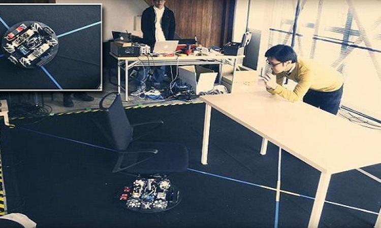 نيسان تطور كرسياً يركن نفسه بنفسه في المنازل والمكاتب
