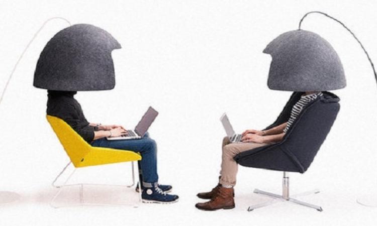 بالصور .. اختراعٌ جديد يجنّبك إزعاج زملاء العمل