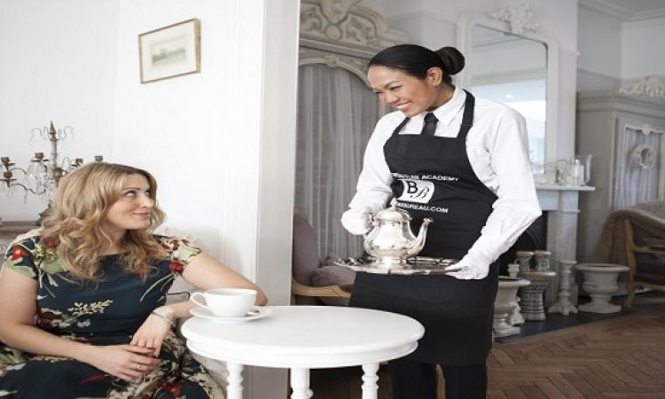 اتيكيت التصرف مع عاملة النظافة المنزلية .. الرحمة حلوة!!