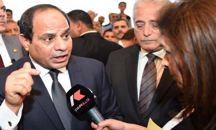الرئيس السيسى يطمئن مواطنى شرم الشيخ على عودة السياحة