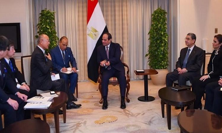 الرئيس السيسى يلتقى رئيس شركة تويوتا وبطل السومو المصرى