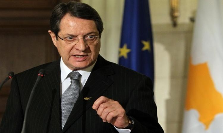 رئيس قبرص معلقاً على اختطاف الطائرة : فتش عن المرأة !!
