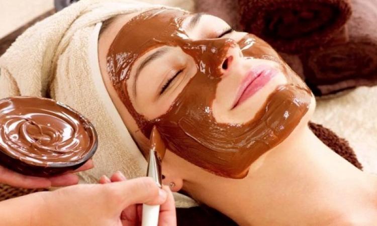 لبشرة نضرة متوهجة .. استخدمى قناع الكاكاو واللبن